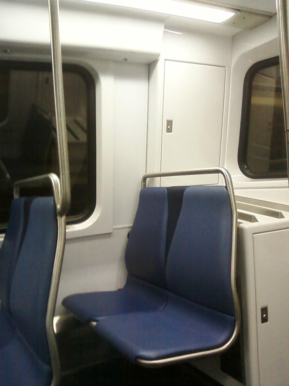 wmata dc metro 7000 series cars end seats where the private section